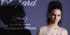 Jadi Cover Vogue Jepang, Kendall Jenner Tampil Cantik & Misterius
