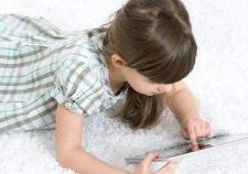 Usia Berapa Anak Pantas Diberikan Ponsel?