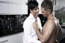 Seks Panas di Dapur? Intip Triknya, Ladies!